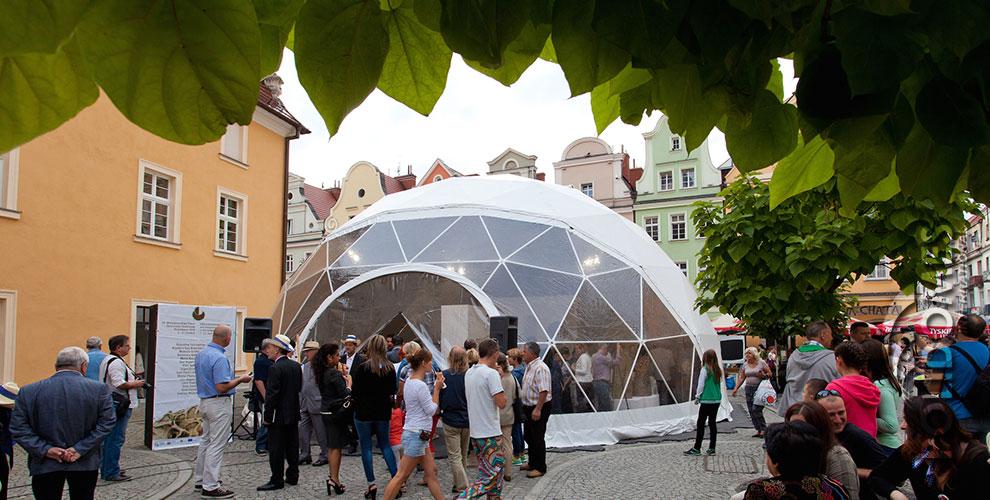 ceramics-feast-exhibition-dome-boleslawiec-2014-a