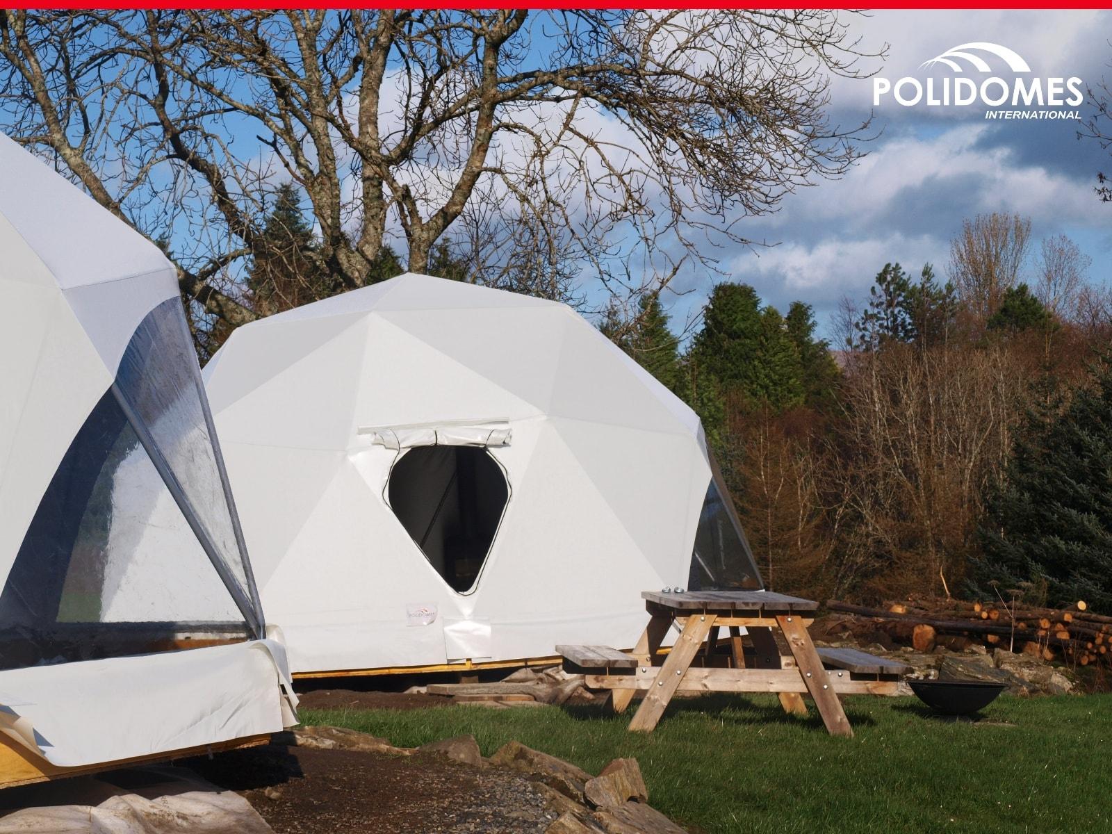 Podłączanie do sieci elektrycznej namiotu
