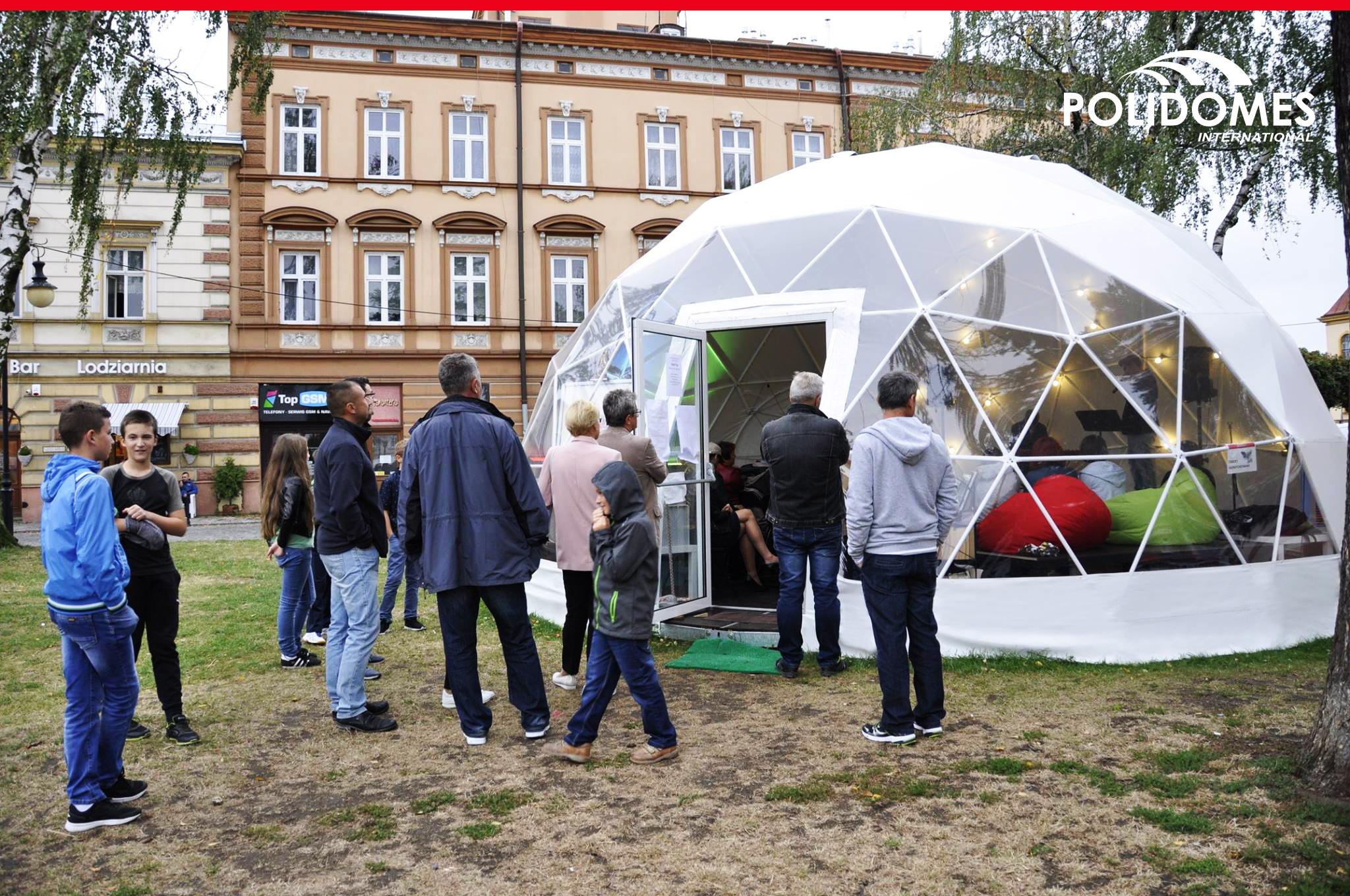 outdoor_event_marketing_tent_logo